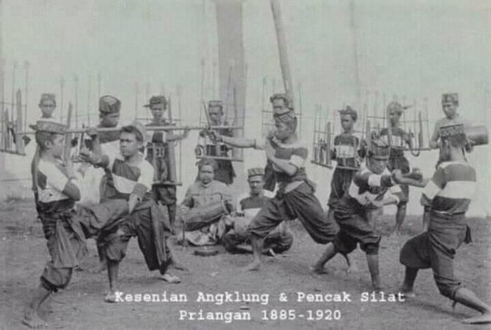 angklung-silat-1885-1920